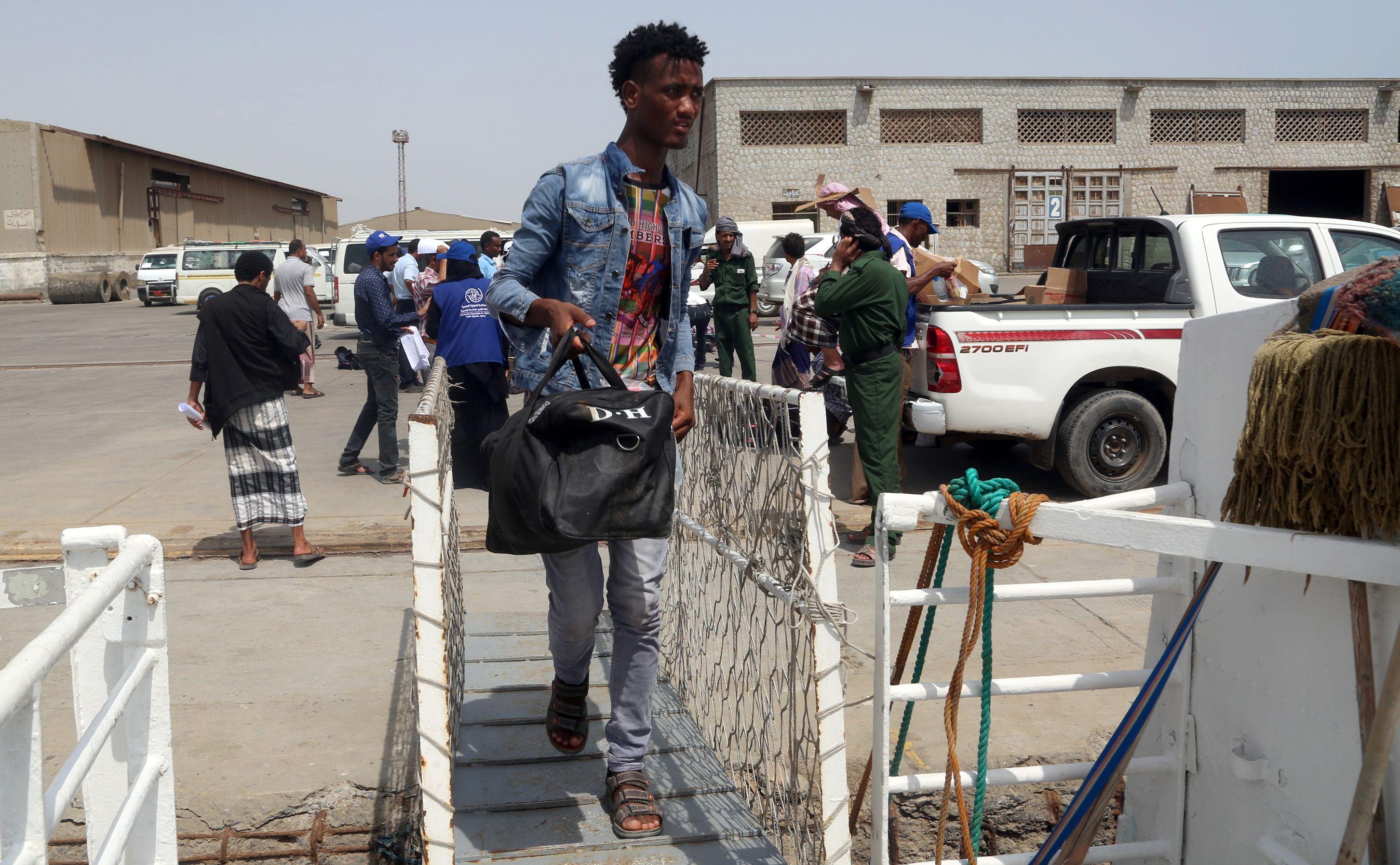 مهاجرون أثيوبيون يغادرون اليمن فى طريق العودة لوطنهم