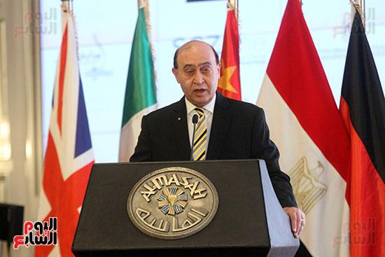 توقيع عقد أكبر مجمع للبتروكيماويات فى الشرق الأوسط (12)