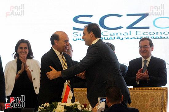 توقيع عقد أكبر مجمع للبتروكيماويات فى الشرق الأوسط (20)