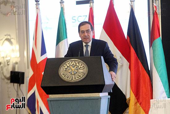 توقيع عقد أكبر مجمع للبتروكيماويات فى الشرق الأوسط (14)
