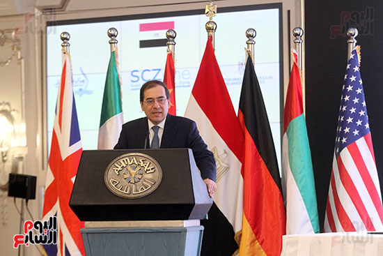 توقيع عقد أكبر مجمع للبتروكيماويات فى الشرق الأوسط (15)