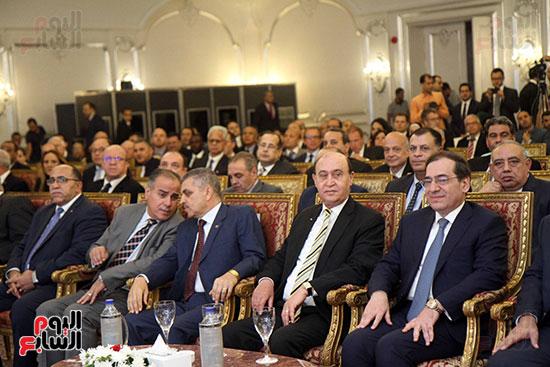 توقيع عقد أكبر مجمع للبتروكيماويات فى الشرق الأوسط (3)