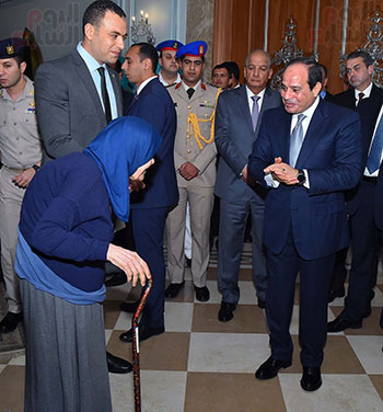 السيسى في إفطار الاسرة المصرية (10)