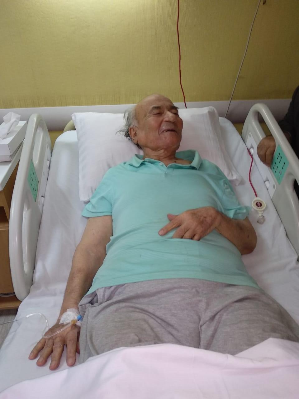 نقل الدكتوريوسف والى لمستشفى الزراعيين..وفريق طبى يعد تقريرا حول حالته  114456-يوسف-والى--فى--حضرة-مستشفى-الزراعيين-(10)