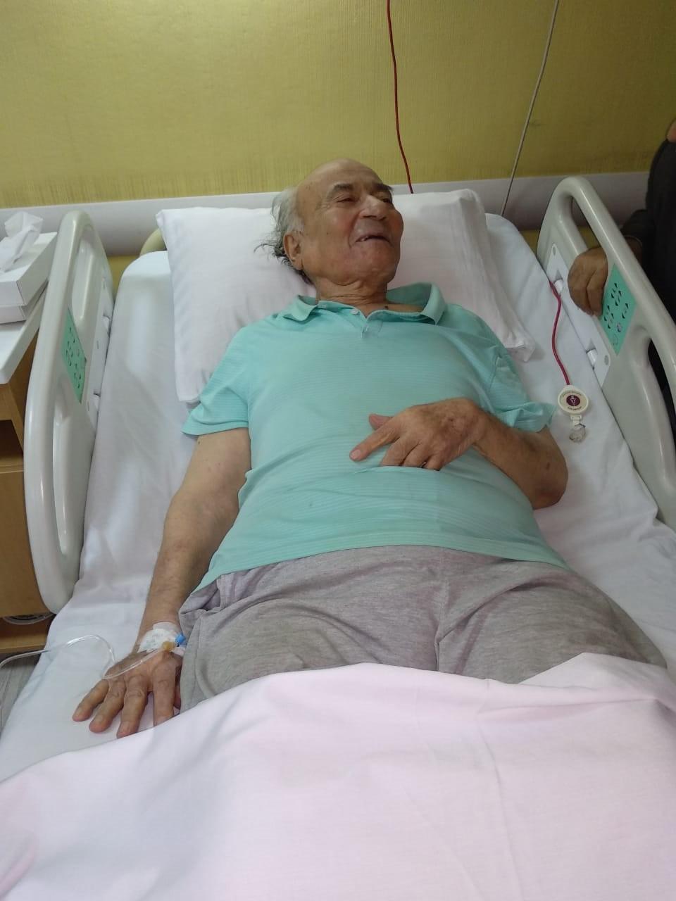 نقل الدكتوريوسف والى لمستشفى الزراعيين..وفريق طبى يعد تقريرا حول حالته  117165-يوسف-والى--فى--حضرة-مستشفى-الزراعيين-(12)