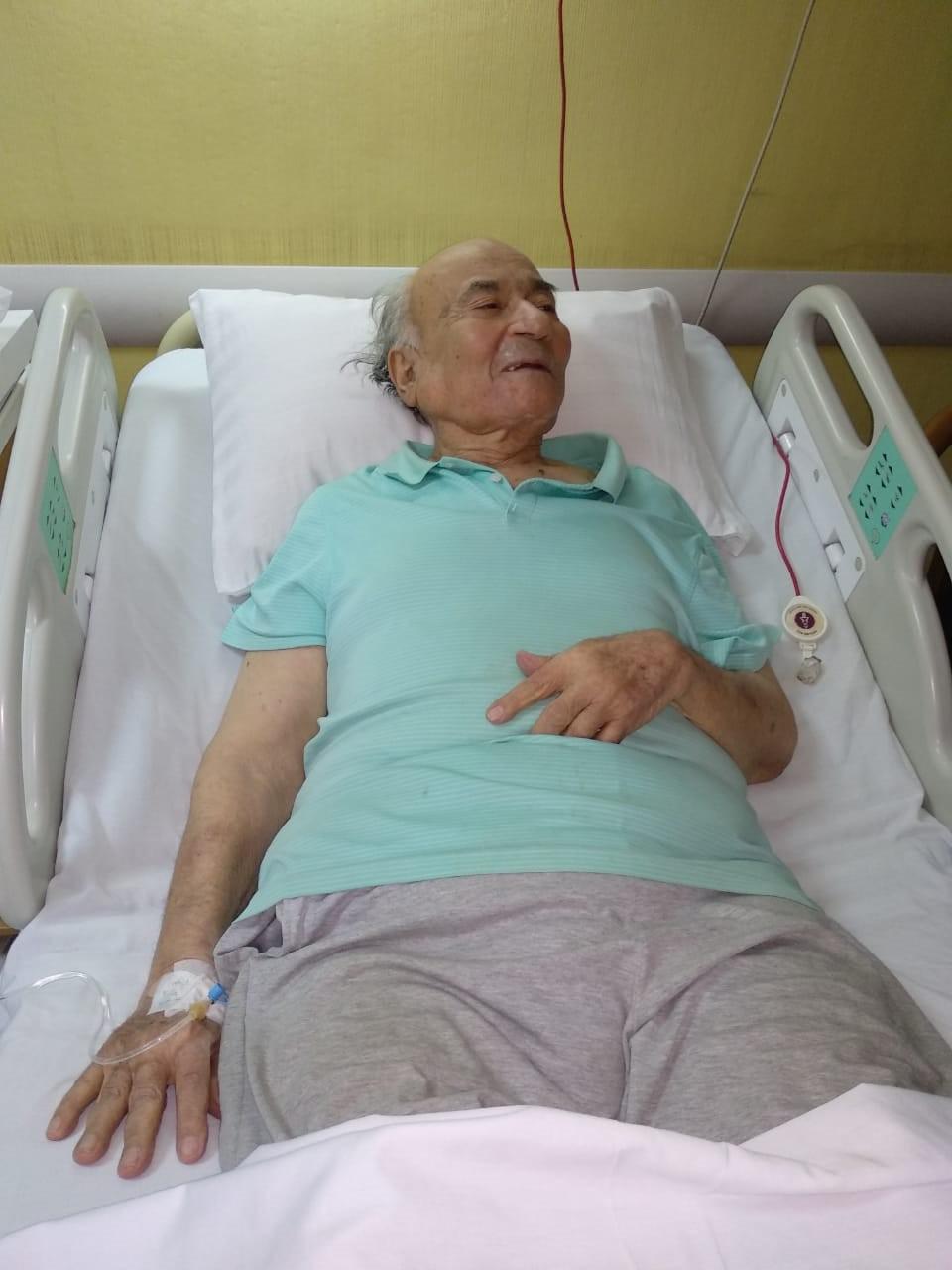 نقل الدكتوريوسف والى لمستشفى الزراعيين..وفريق طبى يعد تقريرا حول حالته  123498-يوسف-والى--فى--حضرة-مستشفى-الزراعيين-(11)