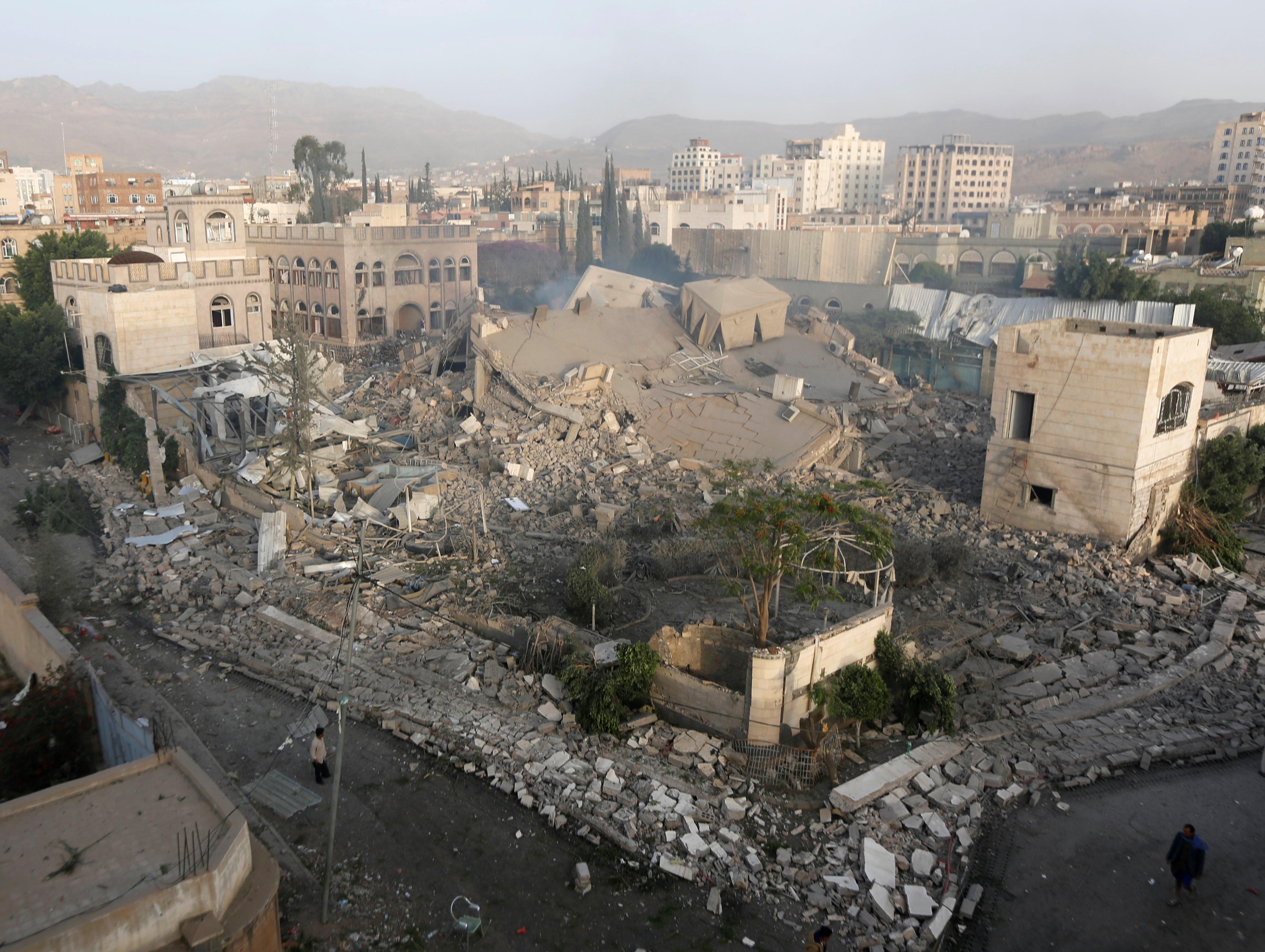 صور الجيش اليمنى يحرر مواقع استراتيجية من يد الحوثيين (2)