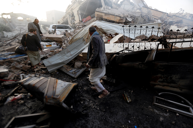 صور الجيش اليمنى يحرر مواقع استراتيجية من يد الحوثيين (11)