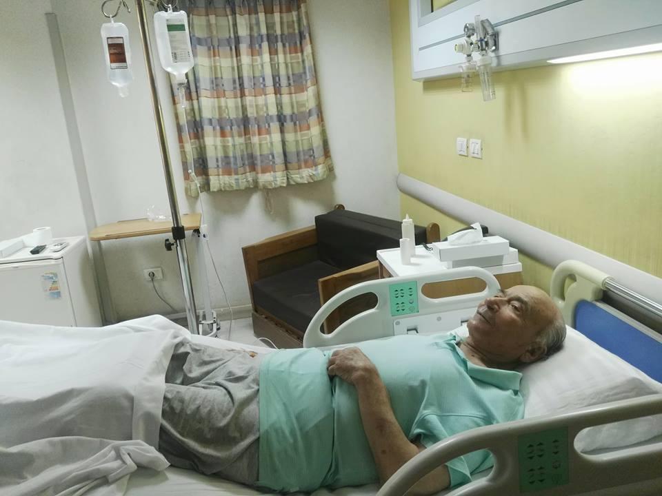 نقل الدكتوريوسف والى لمستشفى الزراعيين..وفريق طبى يعد تقريرا حول حالته  68815-يوسف-والى--فى--حضرة-مستشفى-الزراعيين-(6)