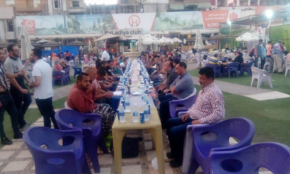 جمهور بلدية المحلة ينظم إفطاراً للجهاز الفنى واللاعبين