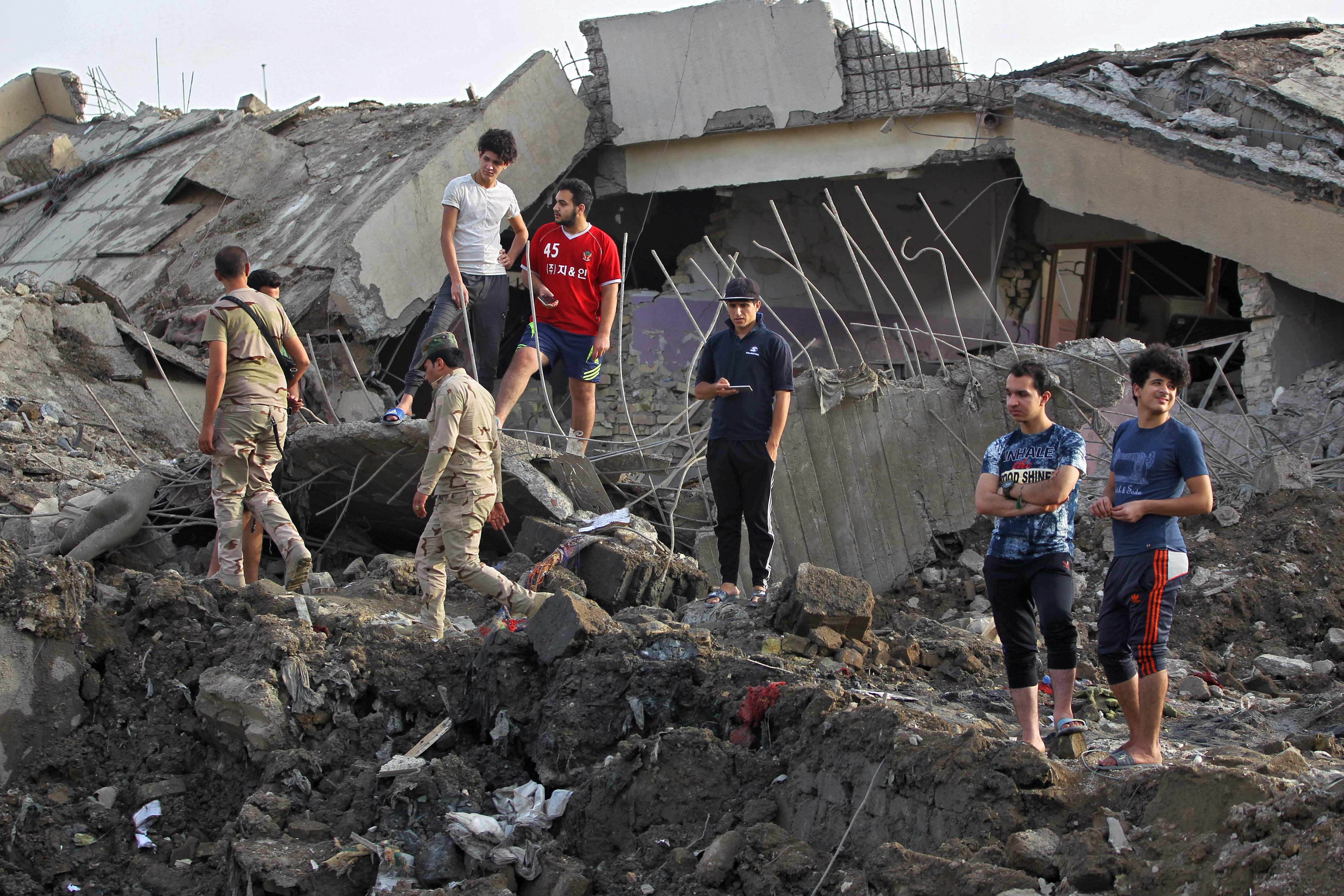 جانب من تواجد الشبان العراقيين
