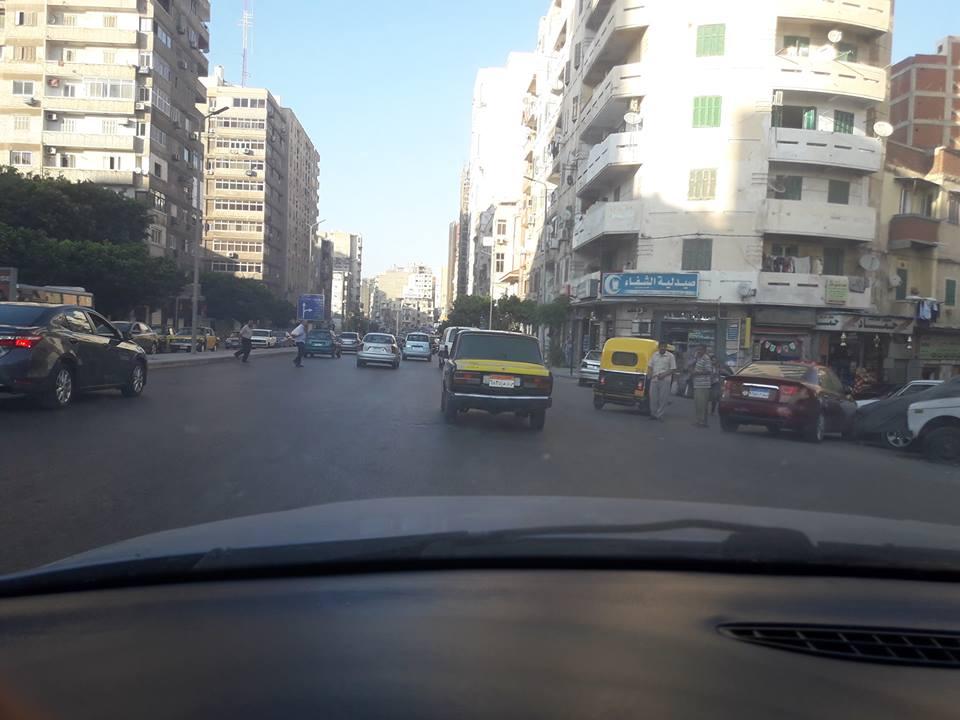 توك توك فى شارع أبو قير