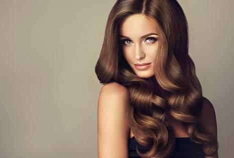 وصفات طبيعية للمعان الشعر بالعسل