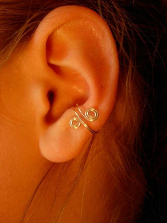 إكسسوارات للأذن بأشكال متنوعة لإبراز جمال الوجه