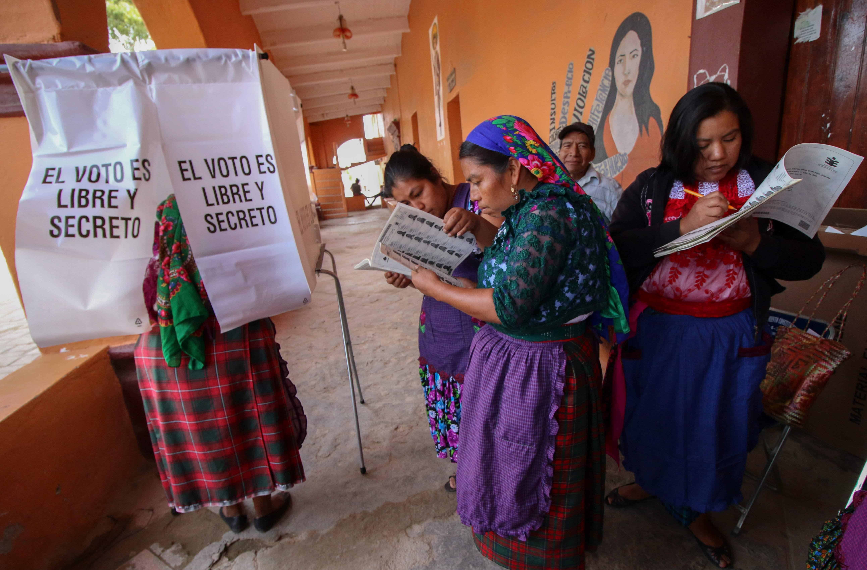 لجنة انتخابية فى المكسيك