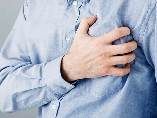 اسباب نغزات الصدر عديدة منها مشاكل بالرئة اليوم السابع