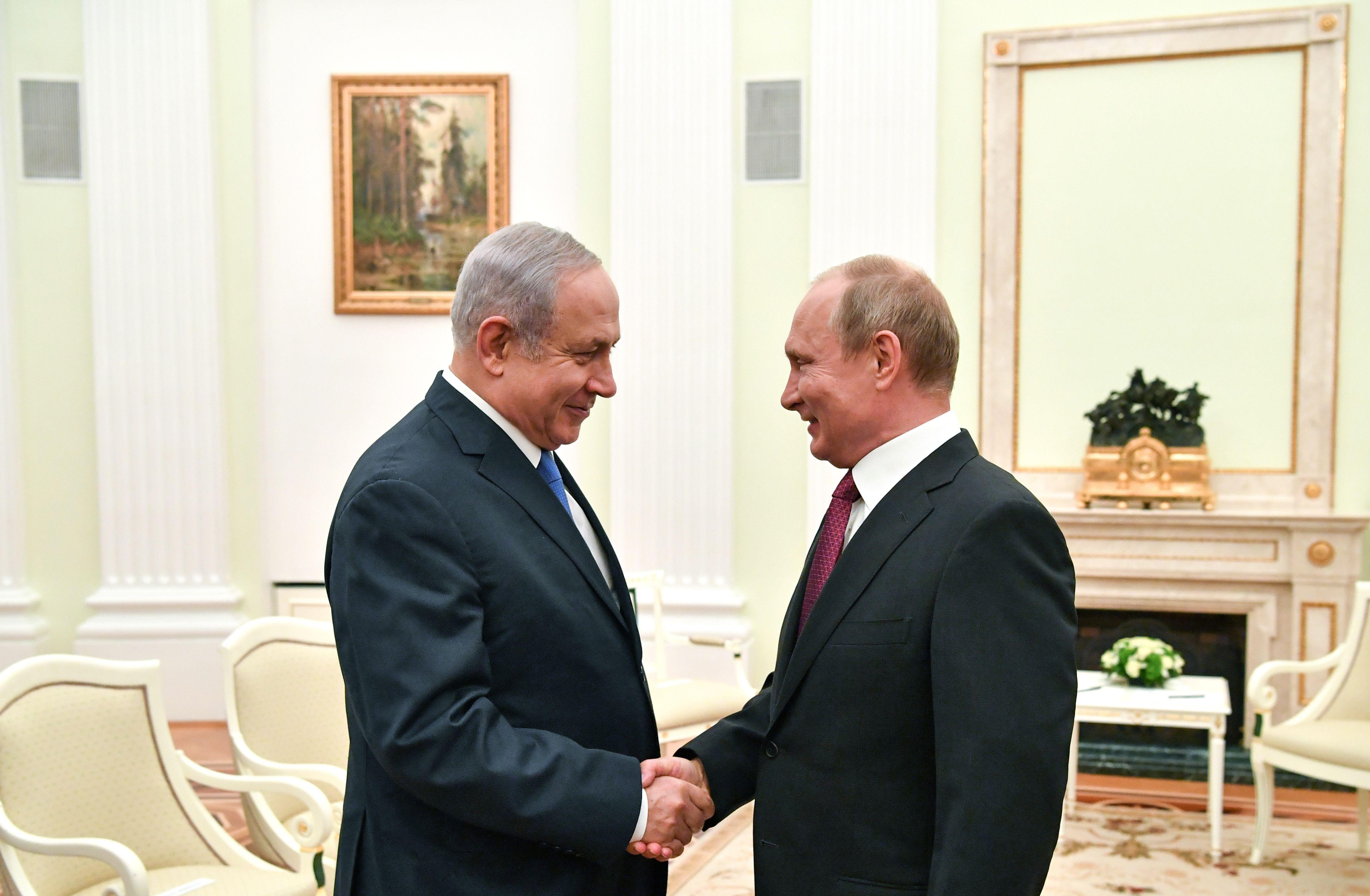 بوتين يستقبل نتنياهو