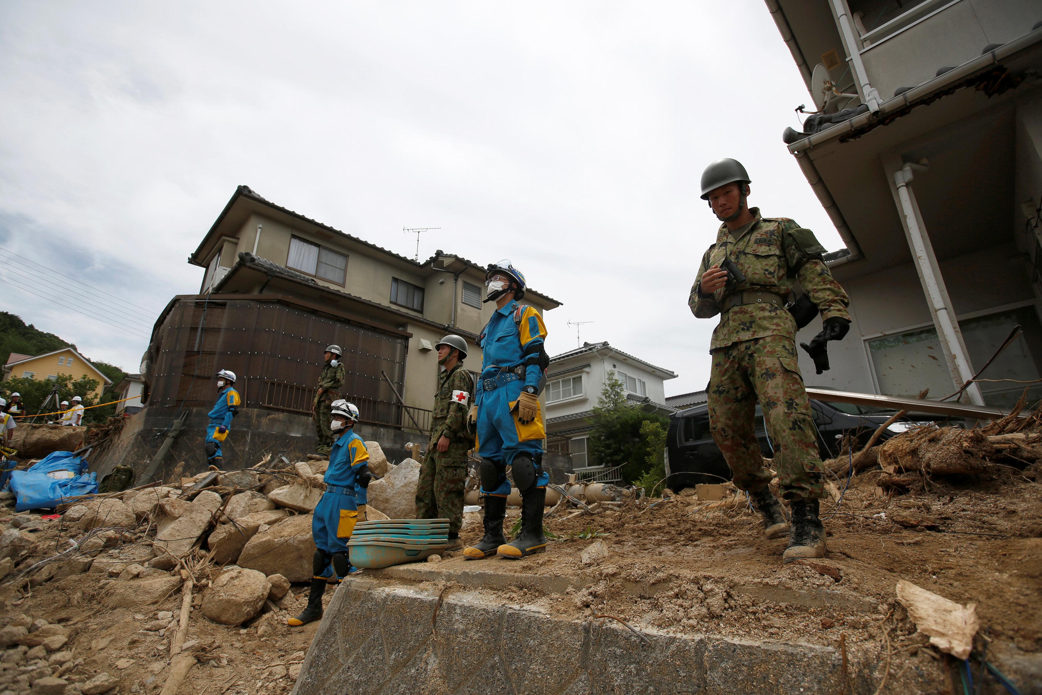 قوات الإنقاذ تبحث عن ناجين