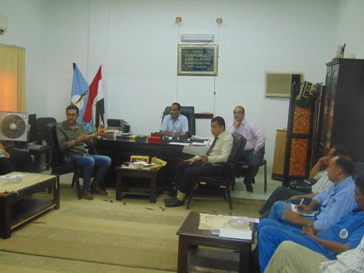 لقاء سكرتير الشلاتين مع مسئول وزارة التخطيط