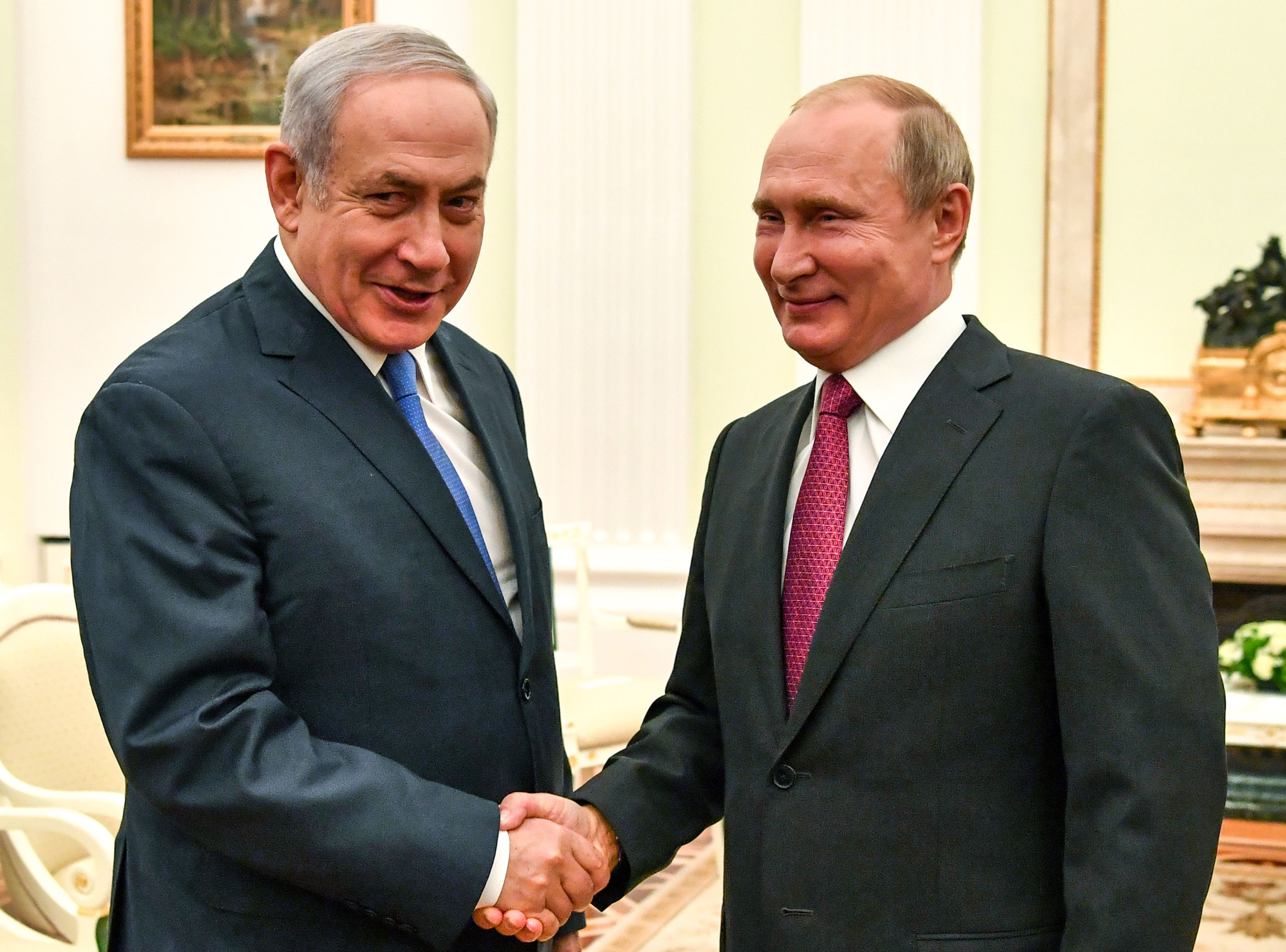 الرئيس الروسى يبتقى رئيس وزراء إسرائيل