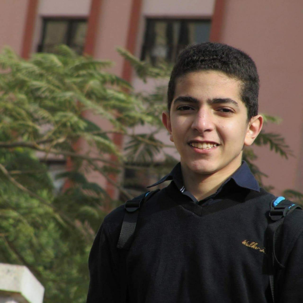 الطالب عمر جمال العربى السابع على الجمهورية بالثانوية العامة