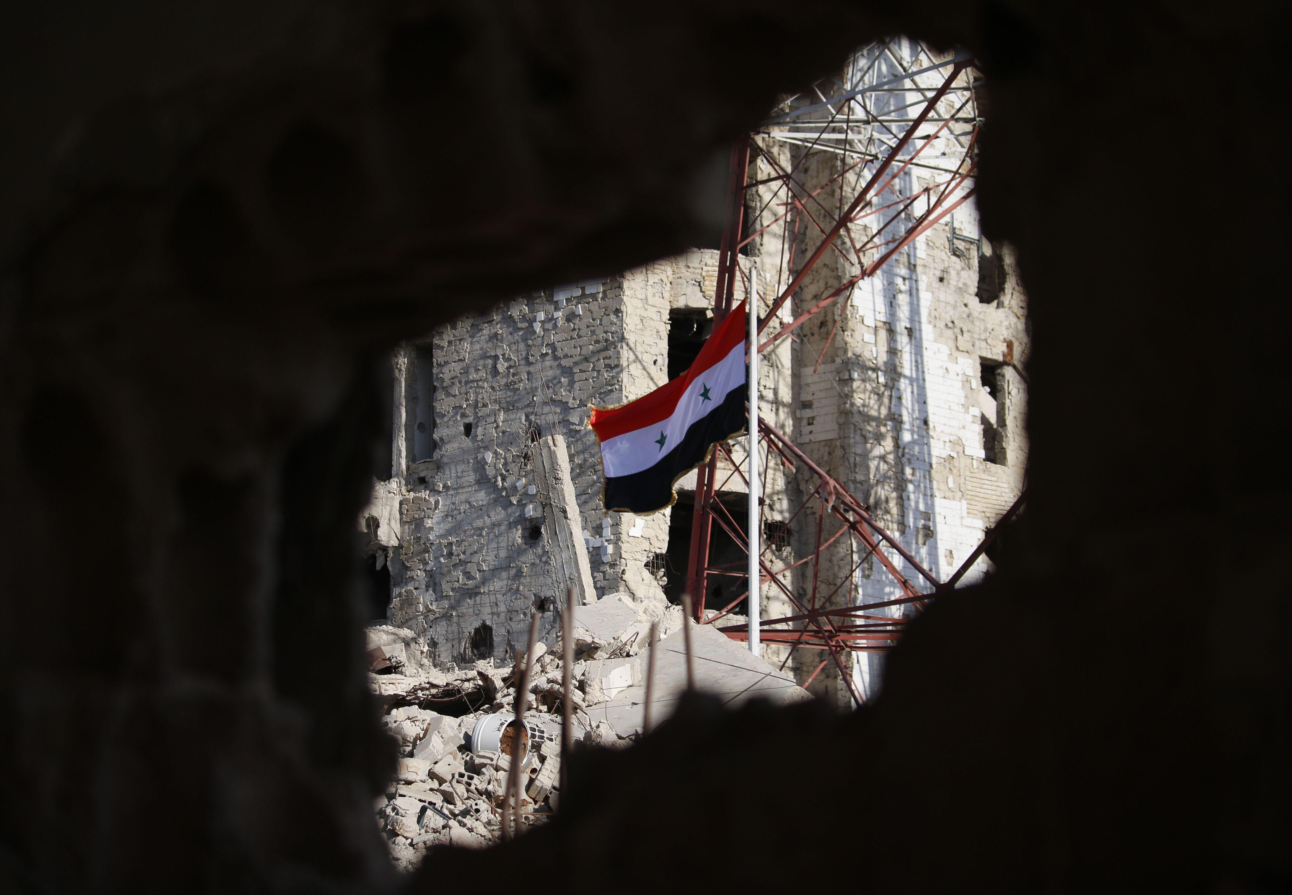 جانب من العلم السورى