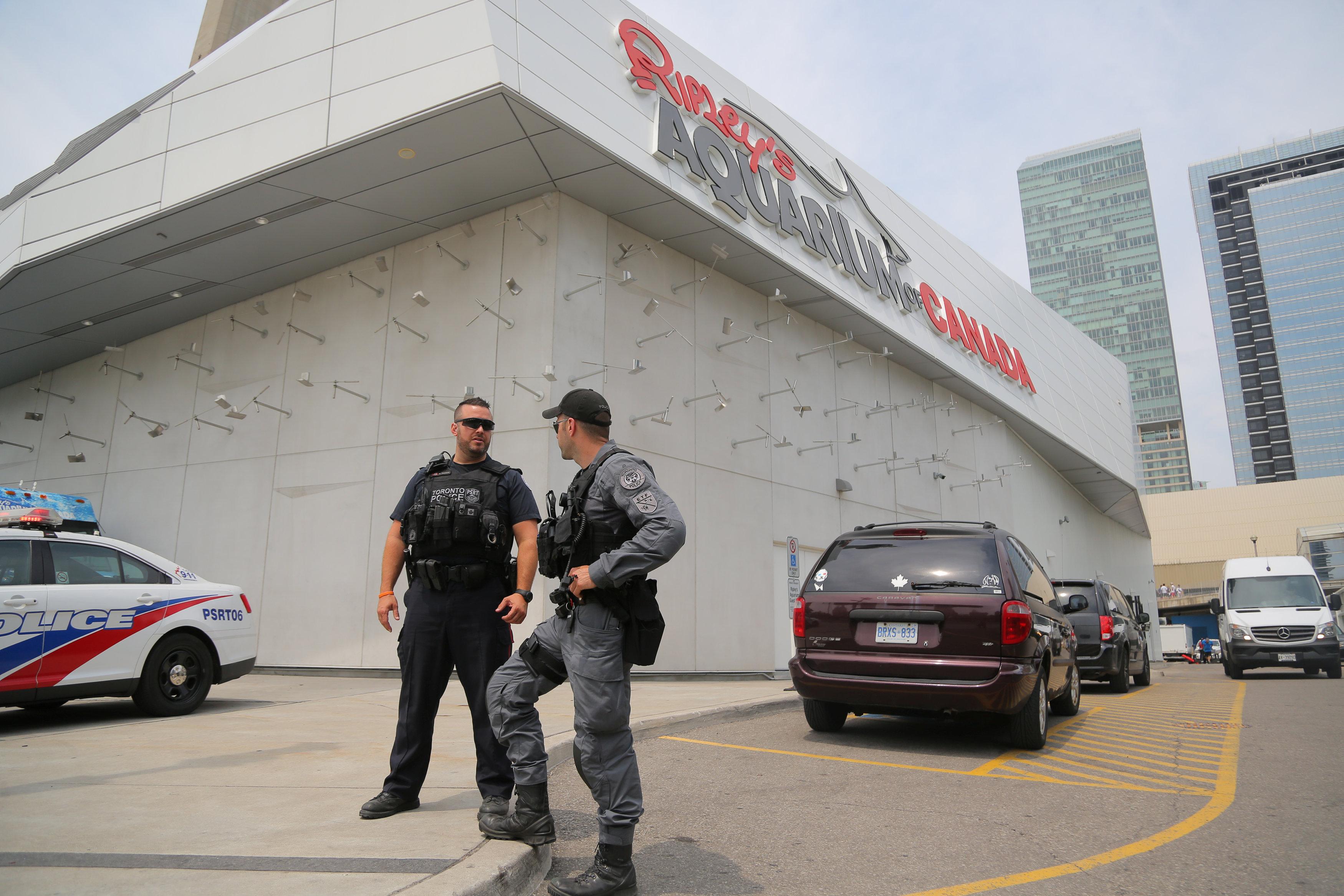 انتشار الشرطة في تورنيدو