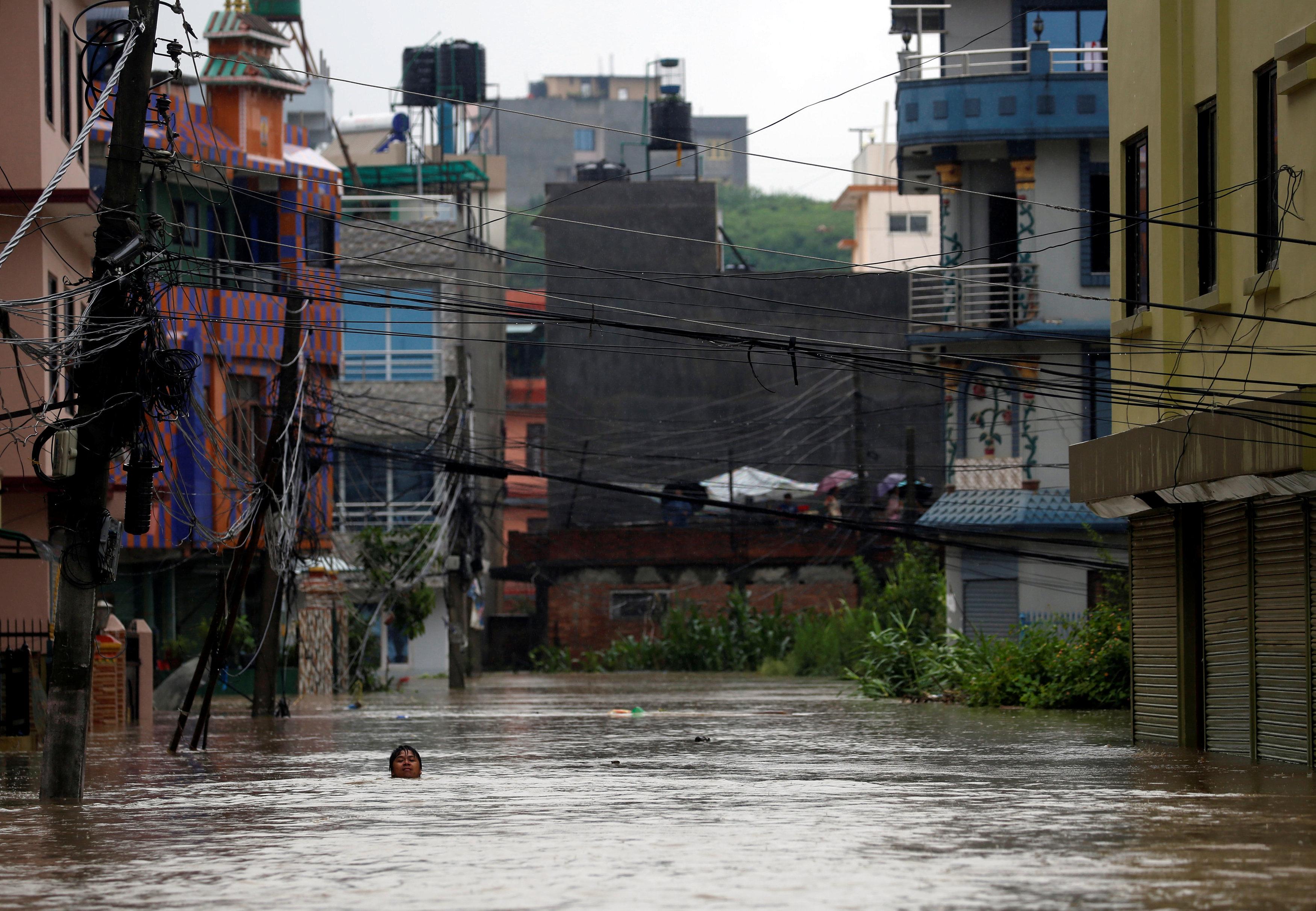 غرق الشوارع بالمياه