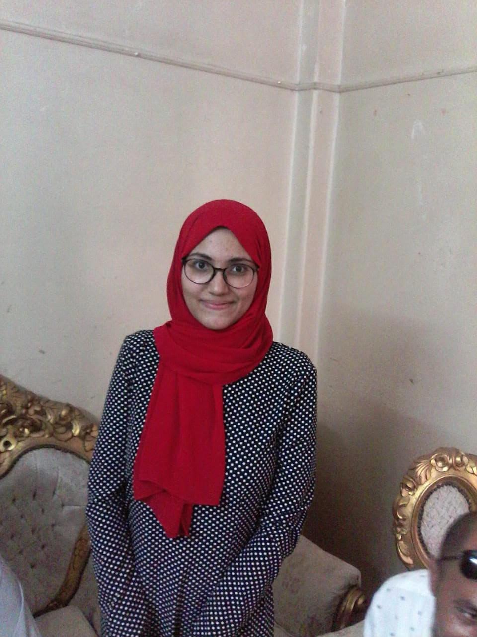 الطالبة منة الله عبد الناصر محمد عبده