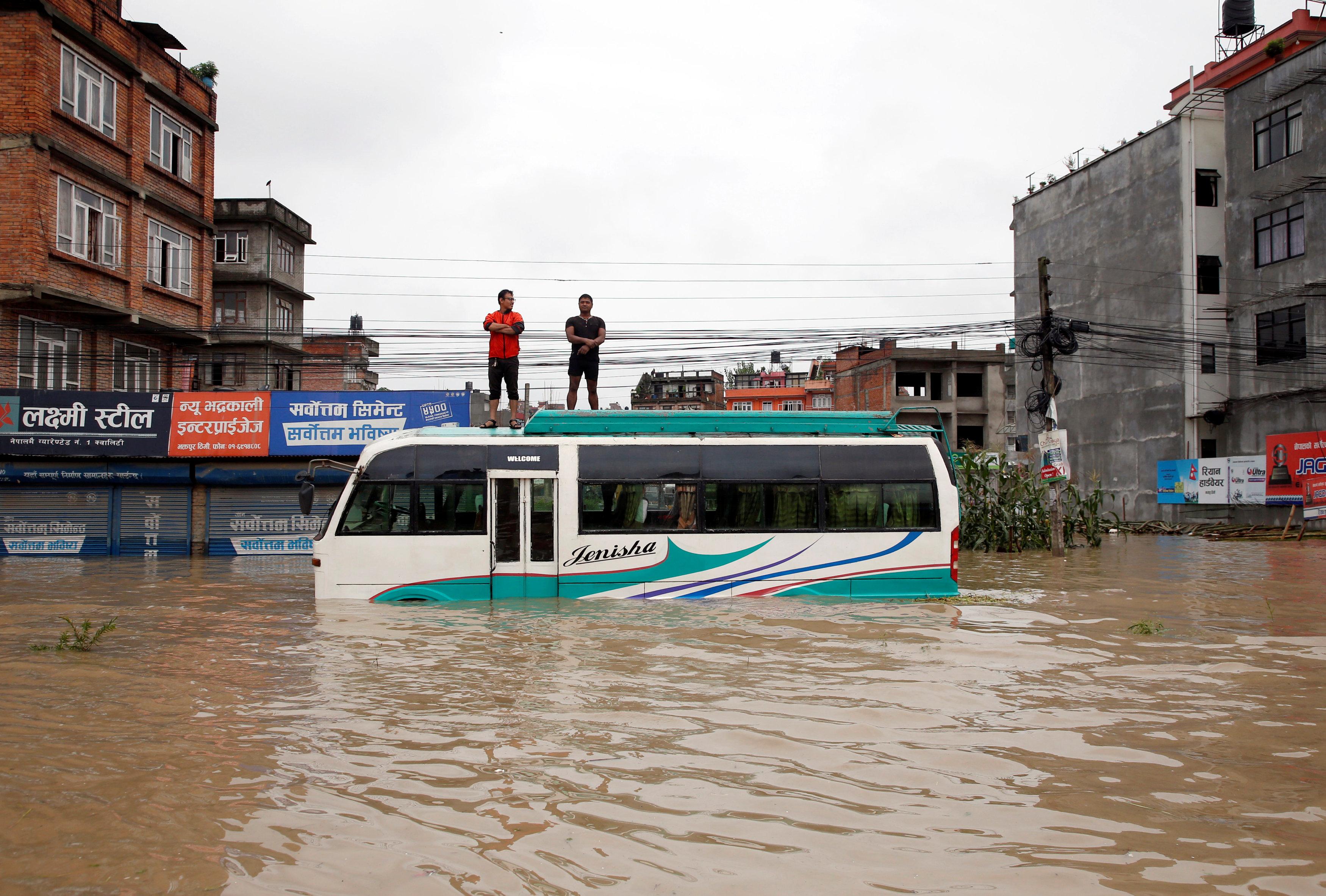 أمطار على نيبال