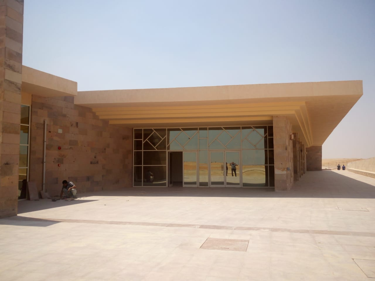 مبنى الزوار بمشروع تطوير هضبة الهرم (1)