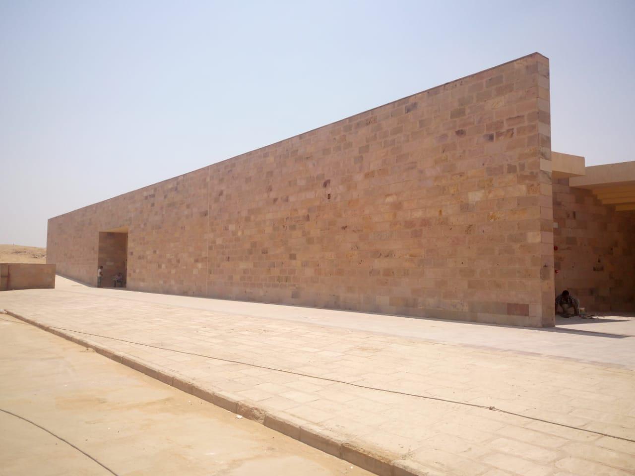مبنى الزوار بمشروع تطوير هضبة الهرم (2)