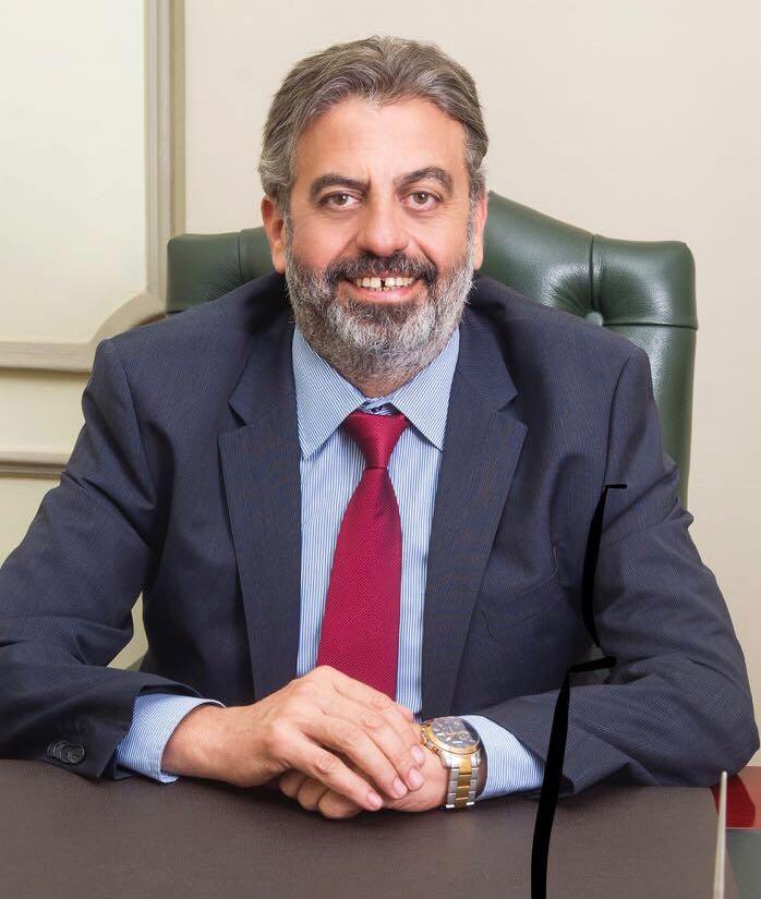 الدكتور شريف راشد خبير الصناعات الدوائية