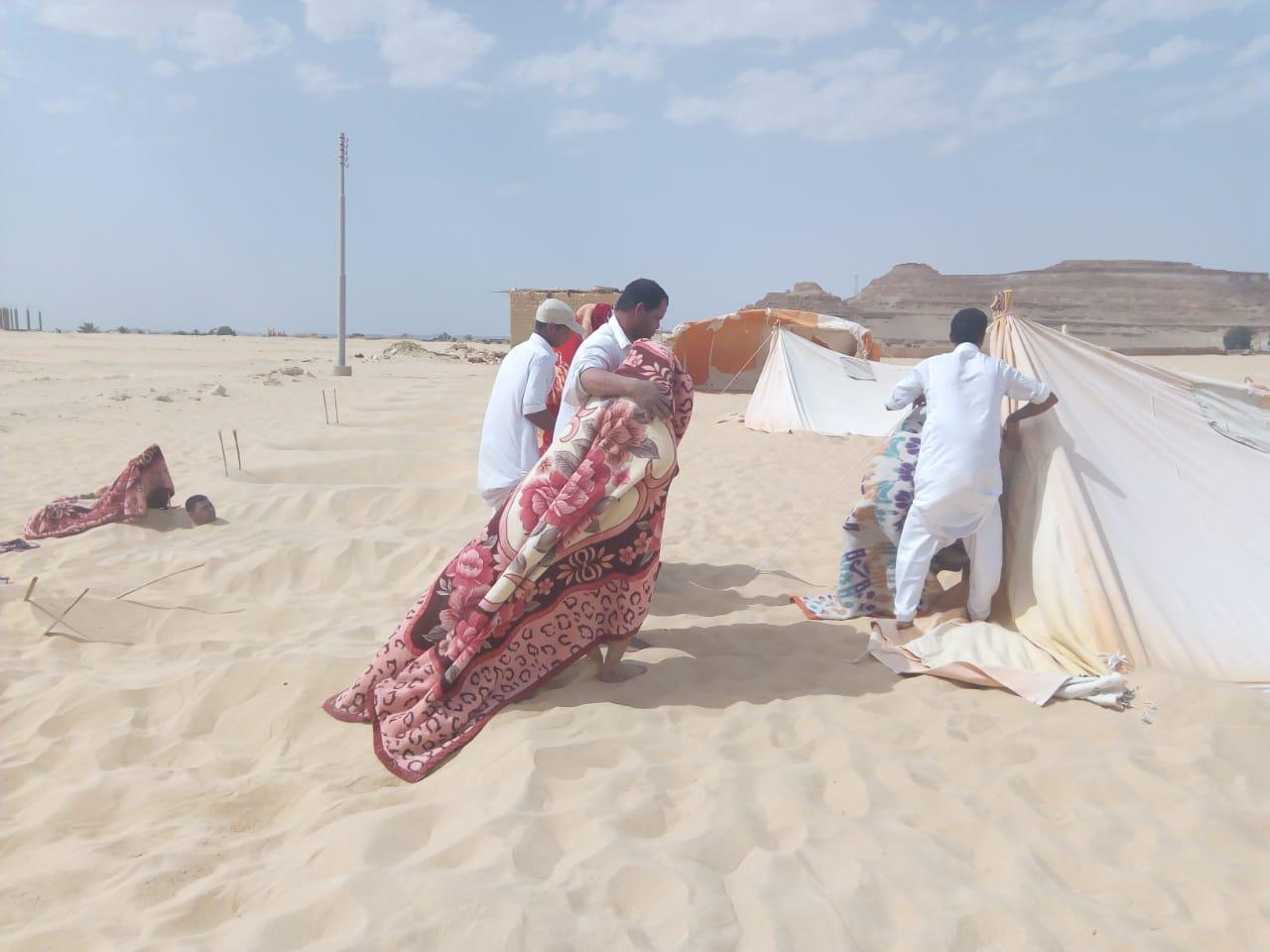 إدخال المرضى فى خيمة بدون تهوية عقب حمام الرمال