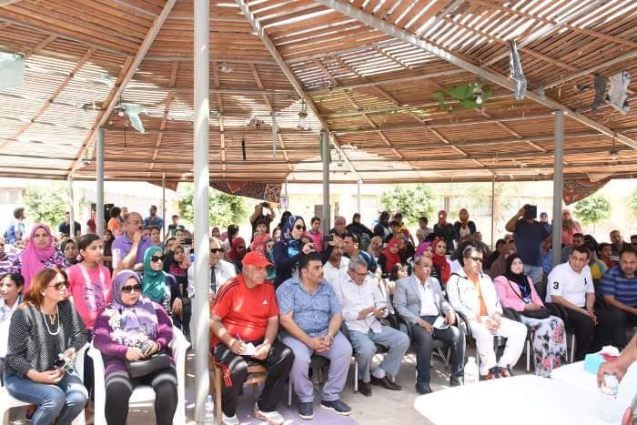 وزير الشباب خلال تفقدة مركز شباب