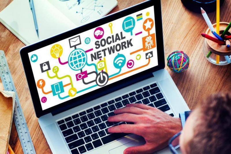 استخدام مواقع التواصل الإجتماعى