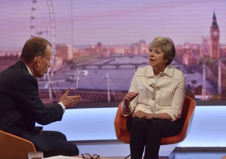 جانب من لقاء ماى مع هيئة الإذاعة البريطانية