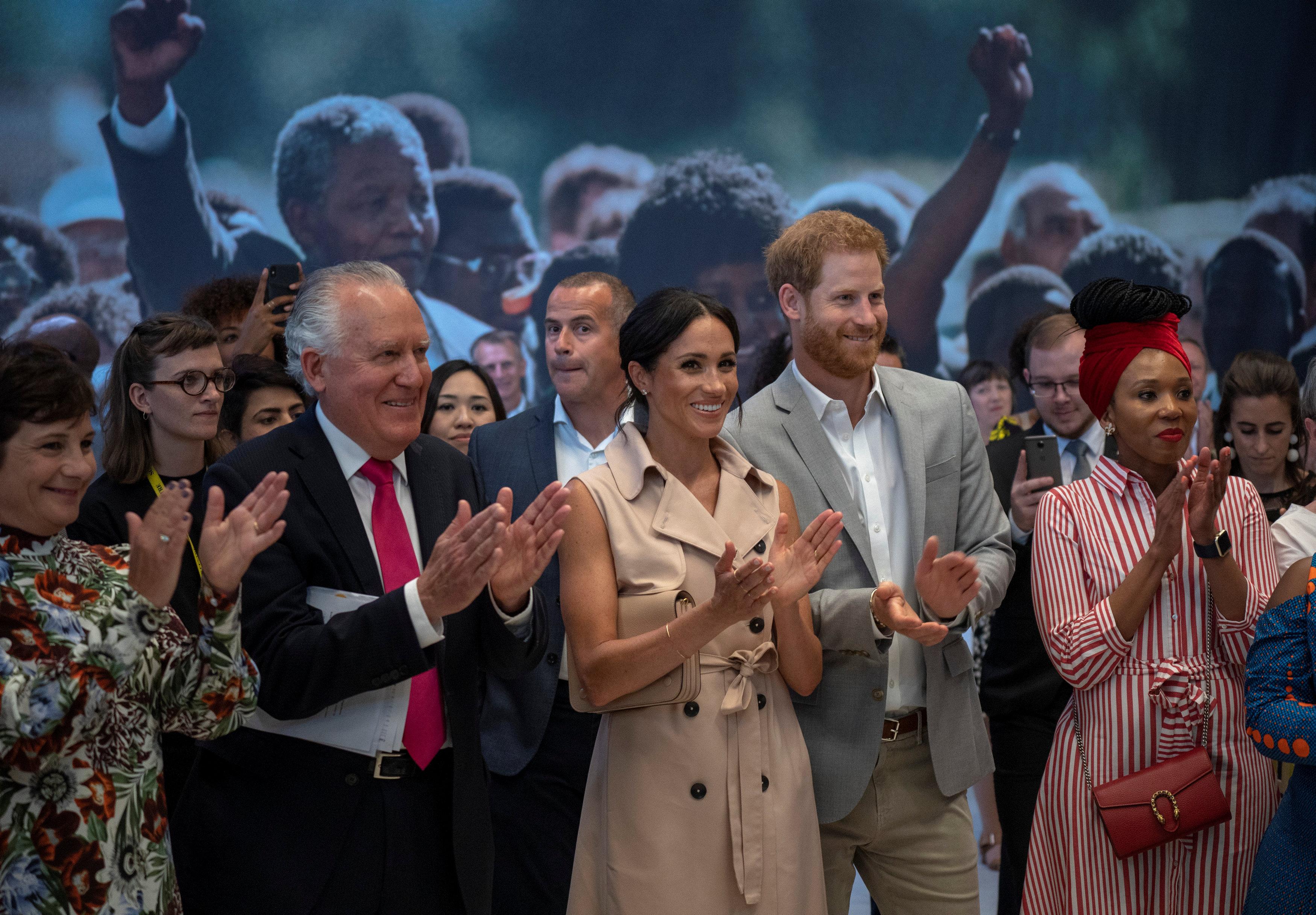 زيارة الأمير هارى وميجان ماركل لمعرض نيلسون مانديلا