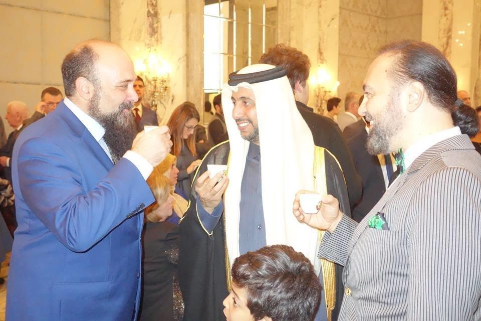 علاقات حميمة بين رجال أوكتار ومسئولى القنصلية القطرية