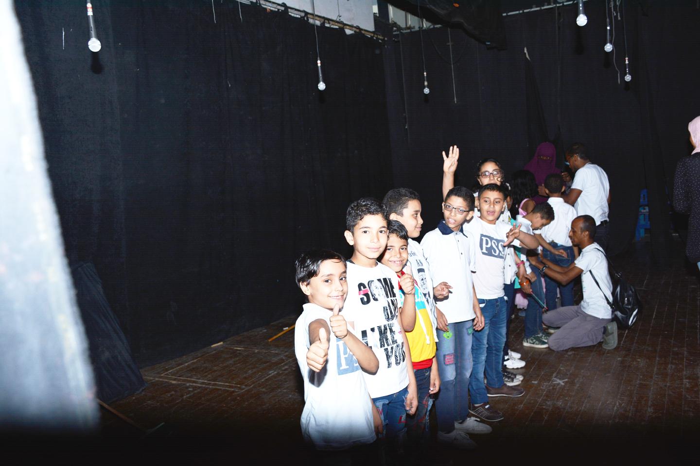الأطفال أثناء الحفل (2)