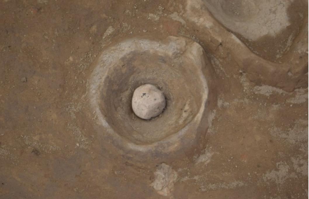 الآثار تعلن عن كشف أقدم ورشة لصناعة فخار الدولة القديمة بأسوان