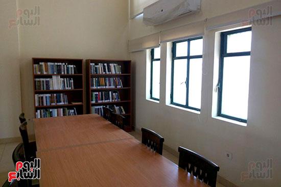مكتبة المترجم التابعة للمركز القومى للترجمة (4)
