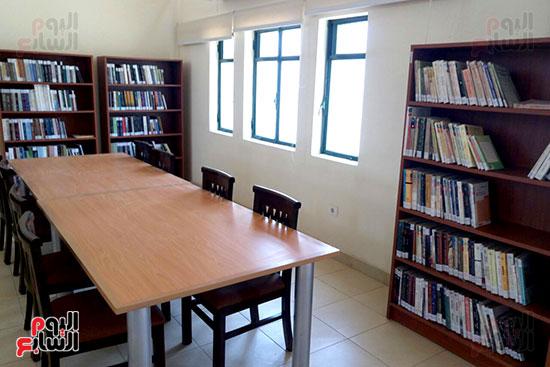 مكتبة المترجم التابعة للمركز القومى للترجمة (1)