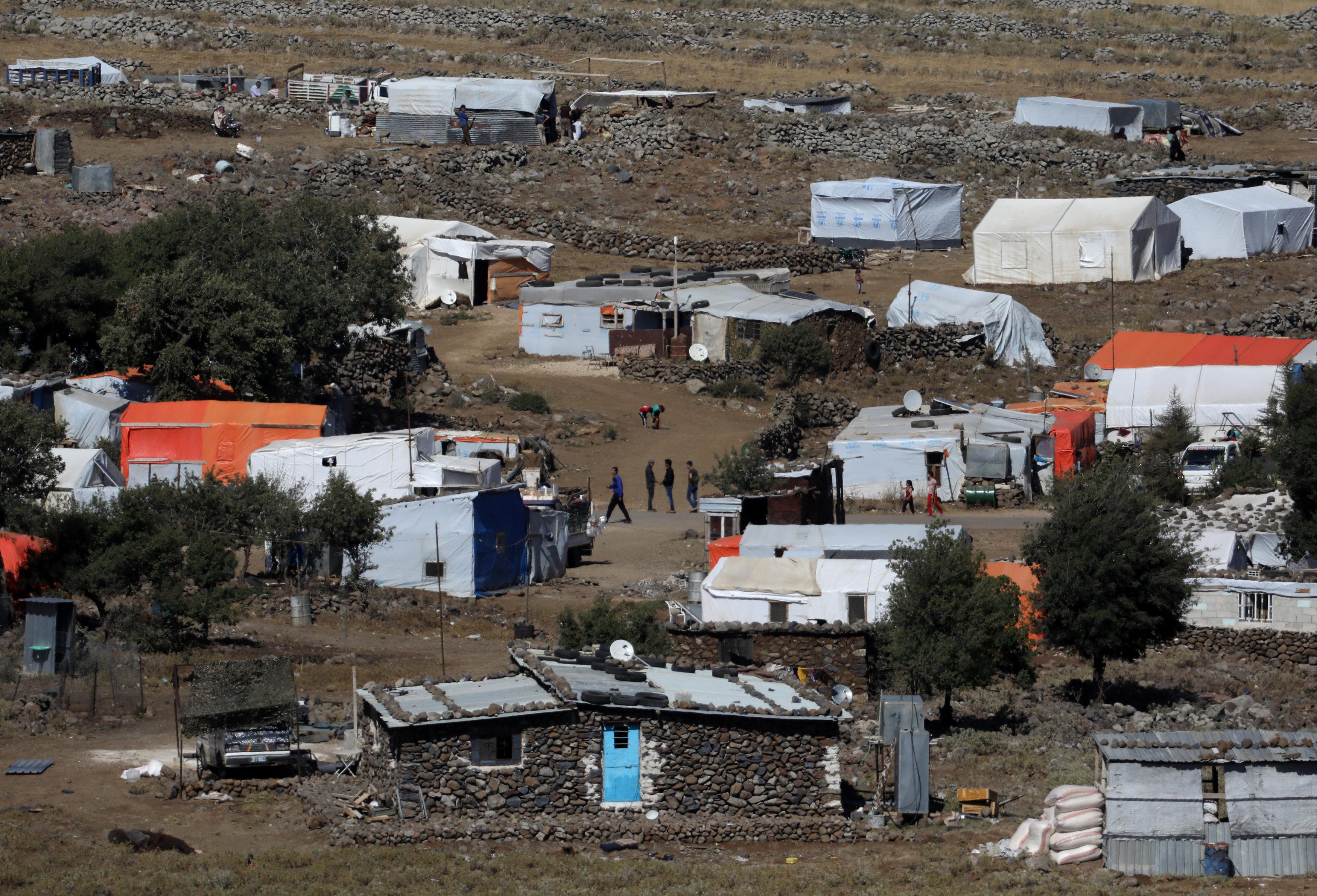 جانب من المخيمات