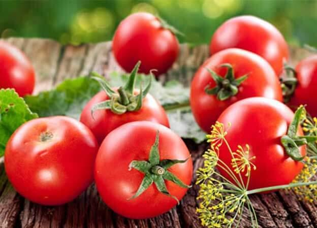 فوائد الطماطم أنها تحافظ على صحة العين