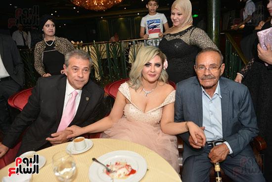 صور زفاف توفيق عكاشة و حياة الدرديرى  (6)