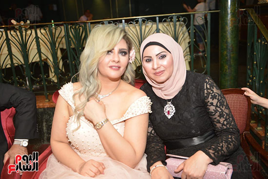 صور زفاف توفيق عكاشة و حياة الدرديرى  (9)