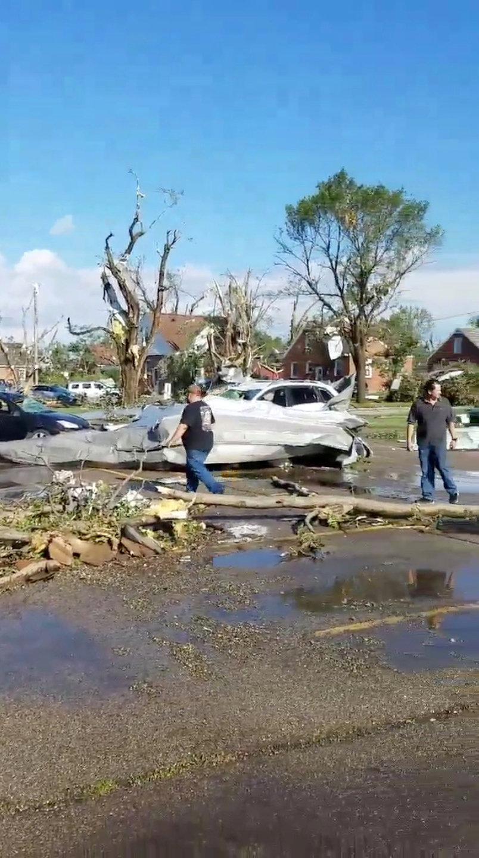 اعصار عنيف يضرب ولاية ايوا الامريكية