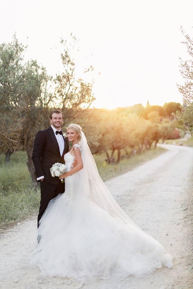إيلى وزوجها