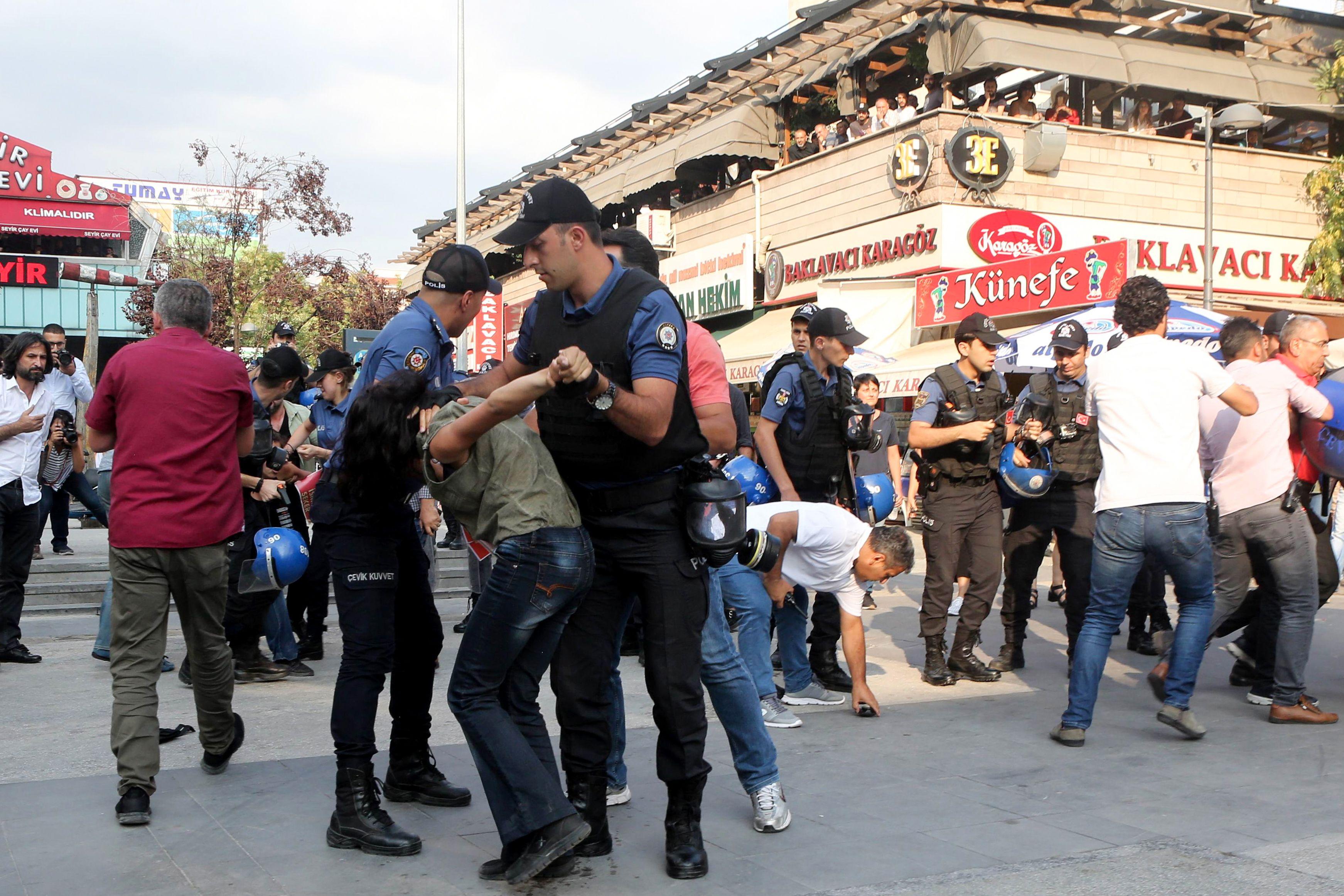 قمع الشرطة التركية